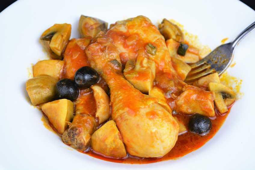 Muslos de pollo con champiñones y pisto